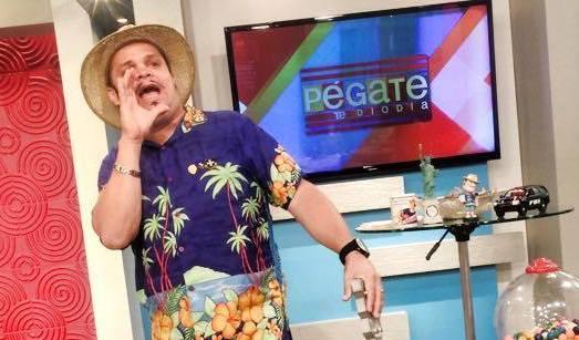 """El Guitarreño se presenta diariamente en el programa """"Pégate al mediodía"""" de Wapa TV. (Foto EL/FB)"""
