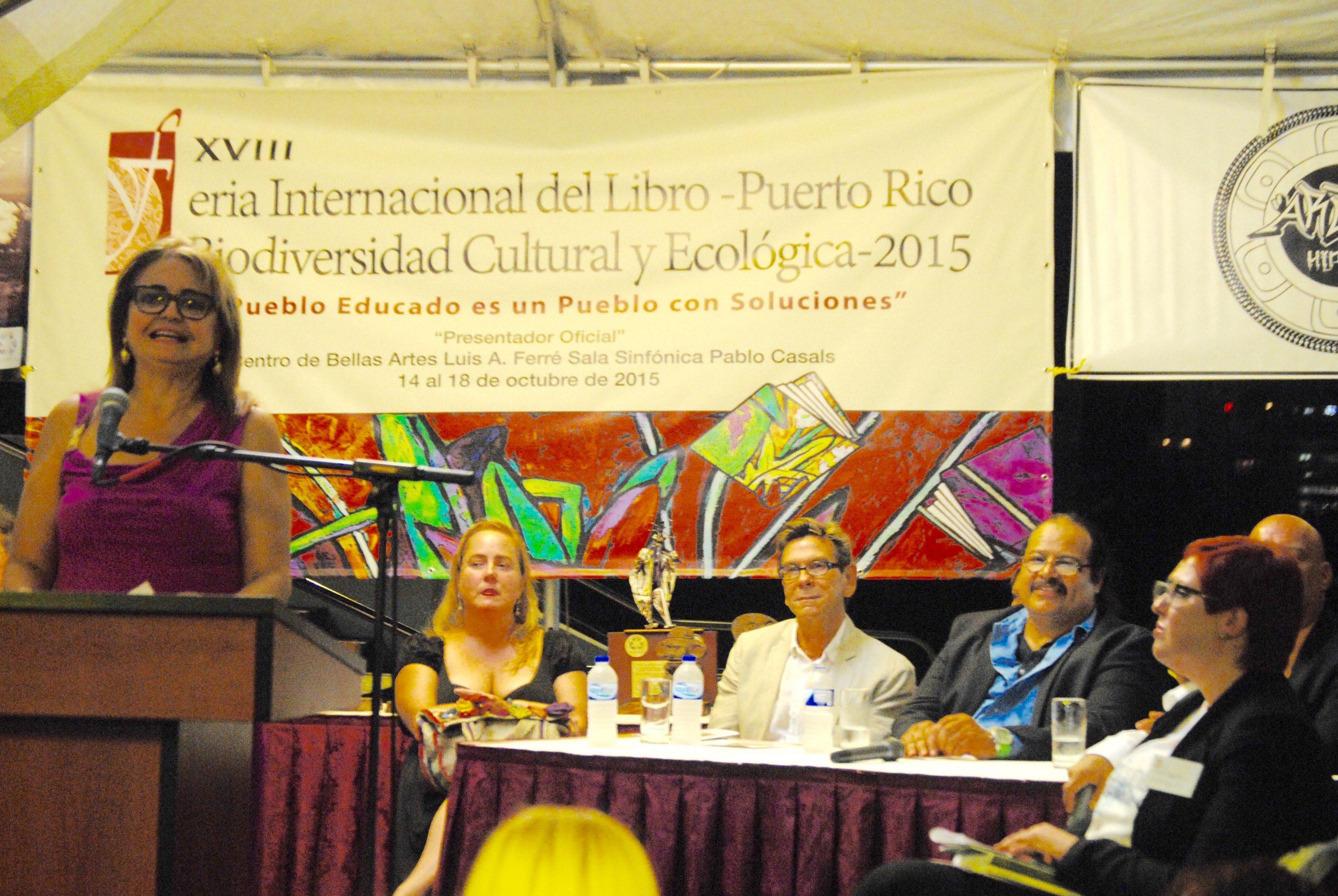 El premio al Dr. Vargas Vidot fue otorgado por voto unánime del Comité de Premiación de la Feria Internacional del Libro. (Foto Jaime Torres Torres para Fundación Nacional para la Cultura Popular)