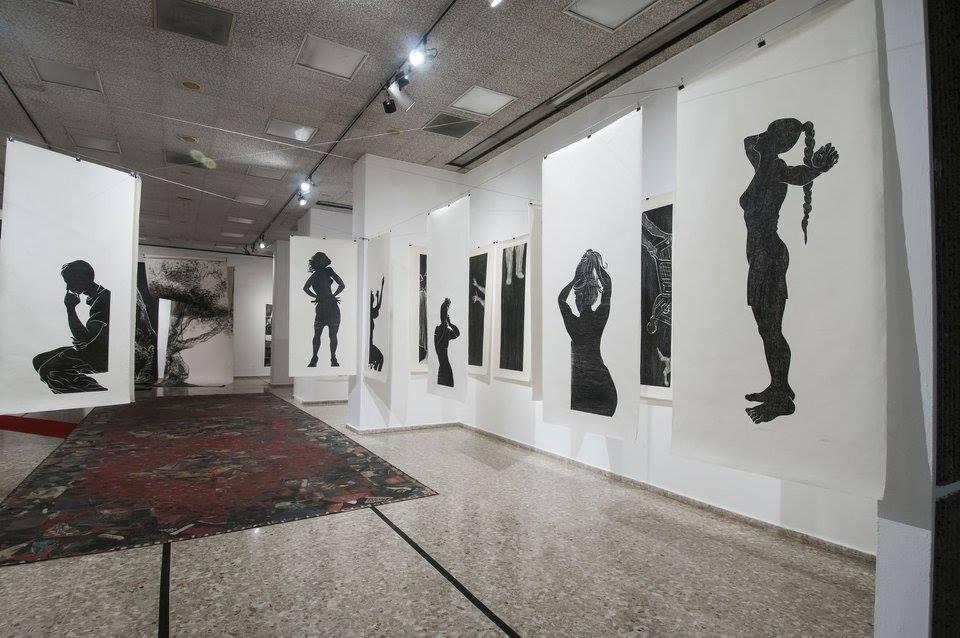 Toma de una de las instalaciones que se muestran en Imalabra, pero esta vez en el Museo de Arte Moderno en Santo Domingo, República Dominicana. (Foto suministrada)