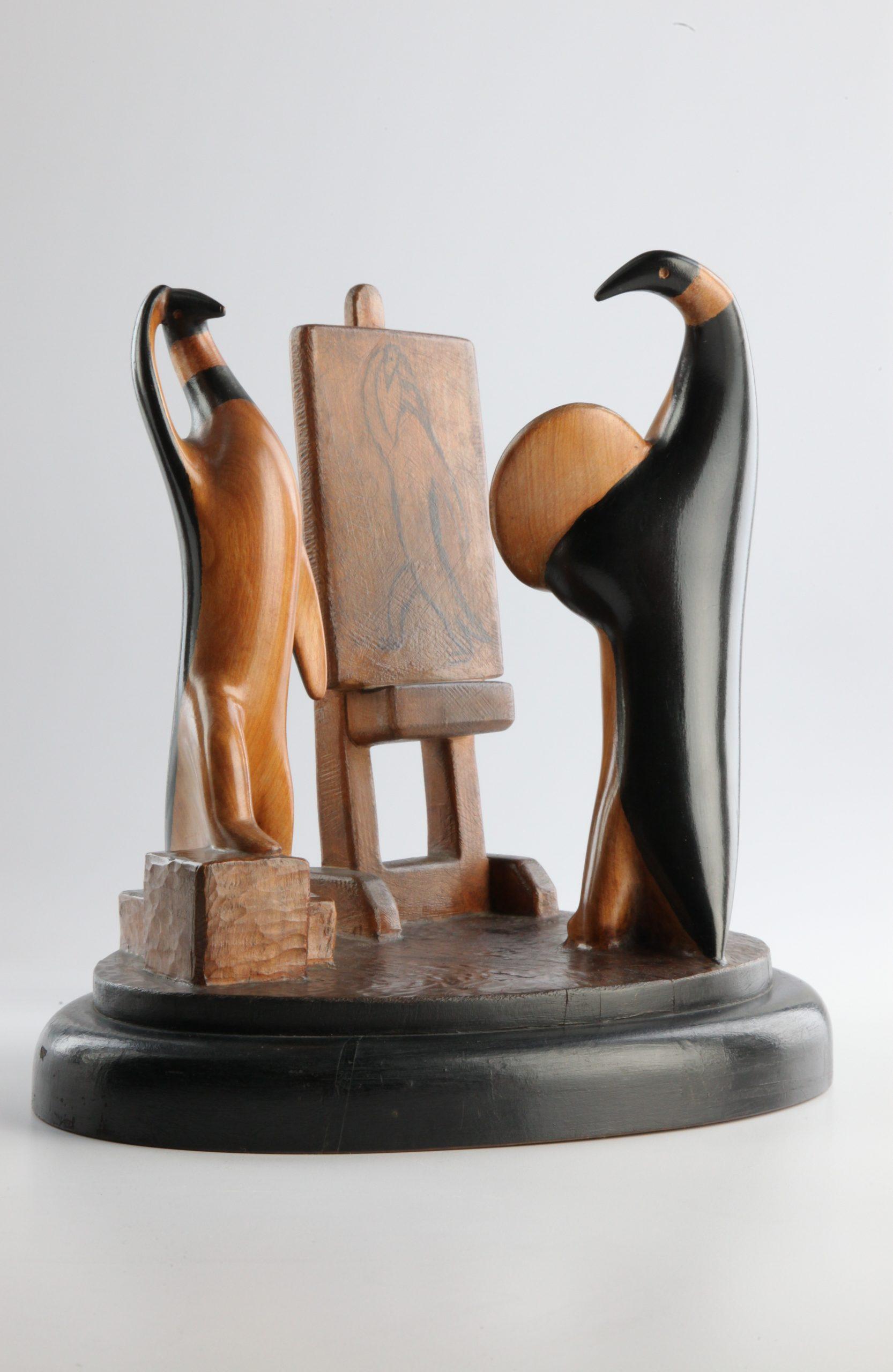 Detalle de una de las obras de pinguinos del escultor Compostela. (Foto suministrada)