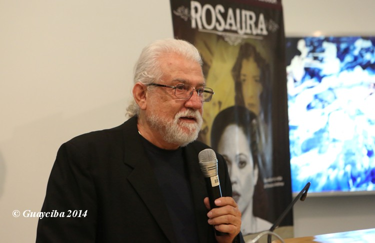 """El director Gilo Rivera habló en la conferencia de la producción """"Rosaura"""". (Foto Félix """"Guayciba"""" Ayala)"""
