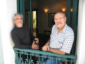 """En 2009 David Ortiz ofreció en la sede de la Fundación Nacional para la Cultura Popular su recital """"De corazón a corazón"""" junto al guitarrista Carlos Lazarte (izquierda). (Foto Javier Santiago / F.N.C.P.)"""