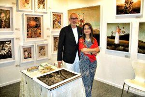 Adrián Villeta junto a su compañera de de exhibición de photo collage digital, Amalia Pereira. (Foto suministrada)