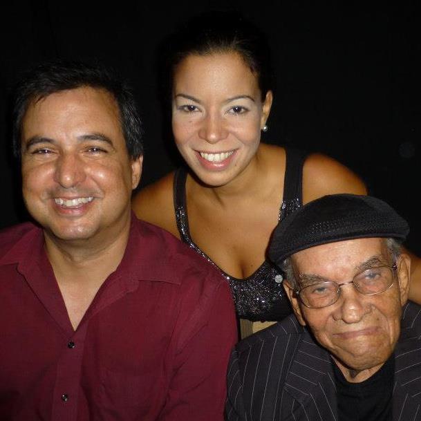 """Sebastián Méndez forma equipo en """"Primer Congreso de Mujeres Divorciadas"""" con Lynnette Salas y Shorty Castro. (Foto suministrada)"""