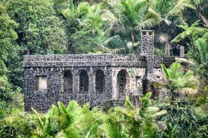 Antigua edificación enclavada en la Sierra de Luquillo, El Yunque.