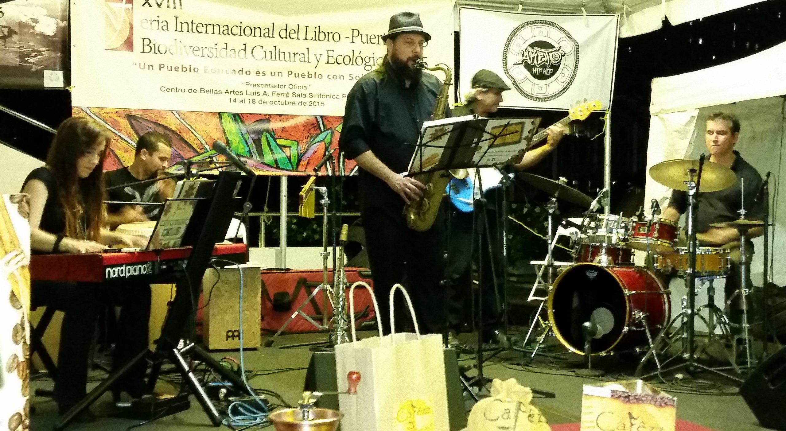 La agrupación ofreció un concierto en la pasada edición de la Feria Internacional del Libro, celebrada en Bellas Artes de Santurce. (Foto Rafael Caraballo para Fundación Nacional para la Cultura Popular)