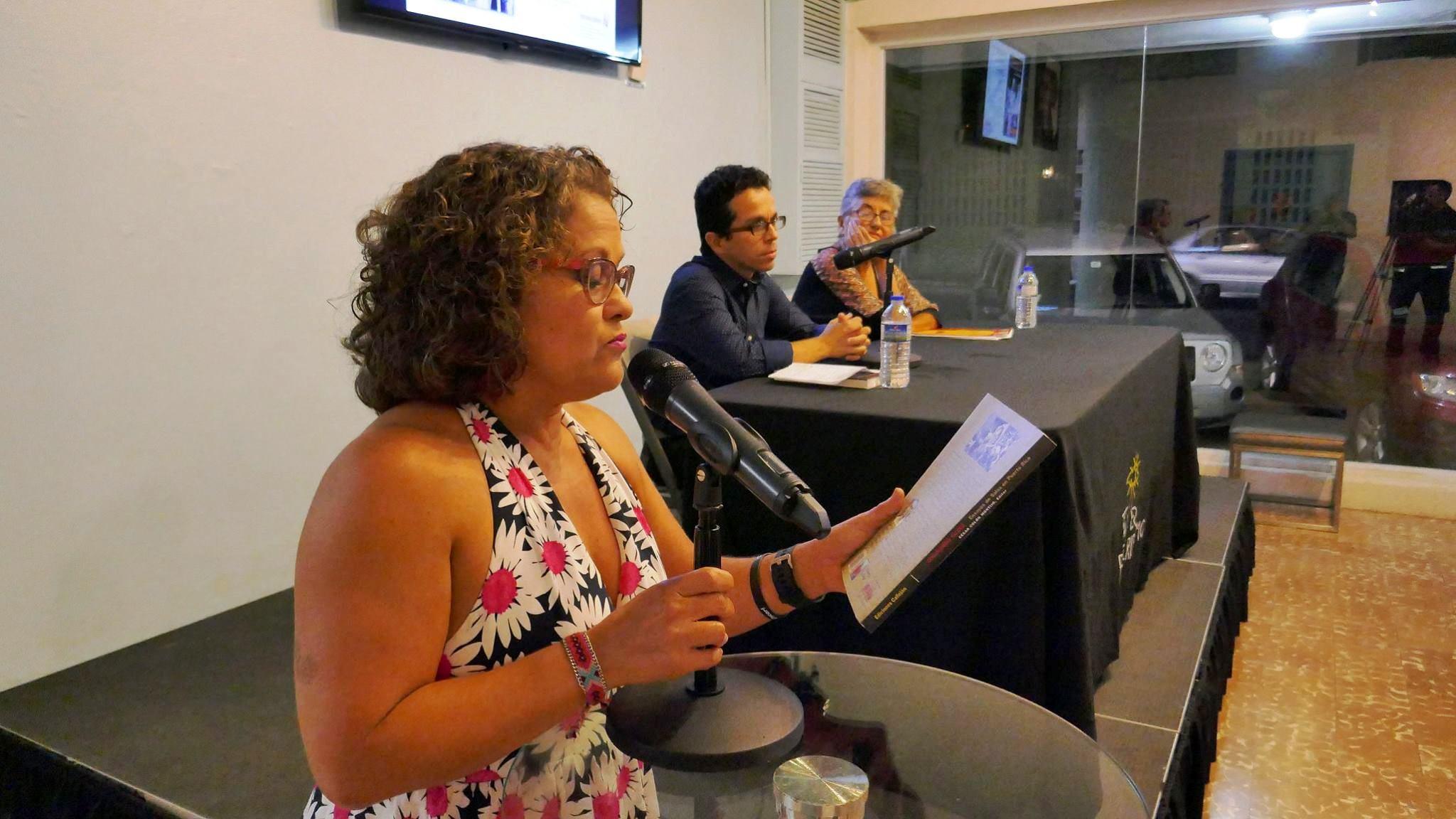 La actriz Magali Carrasquillo fungió como moderadora del lanzamiento mientras Marta Aponte fue presentadora de la publicación editada por César Colón Montijo. (Foto Doel Vázquez)