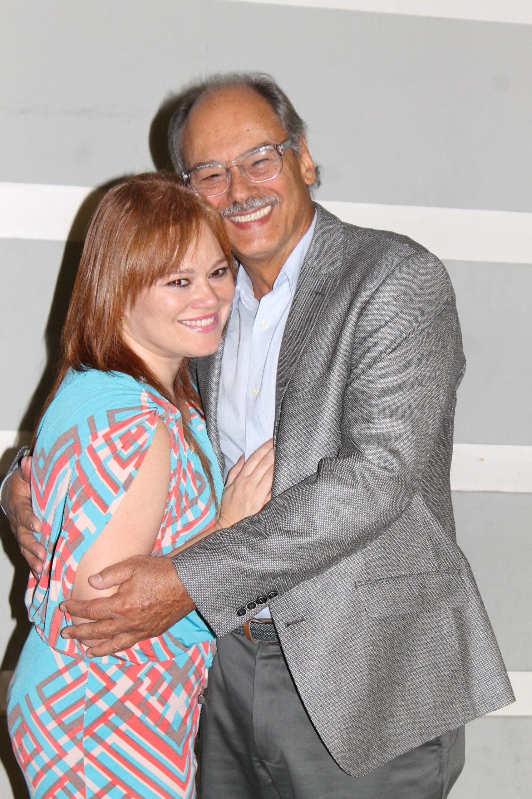 La periodista Liza Lugo felicitó a su progenitor ante este nuevo proyecto fílmico. (Foto Edgar Torres para Fundación Nacional para la Cultura Popular).
