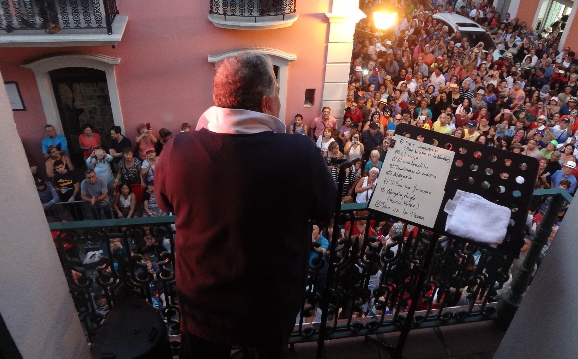 El público acompañó al cantante hasta la caída del sol. (Foto Adriana Pantoja para Fundación Nacional para la Cultura Popular)