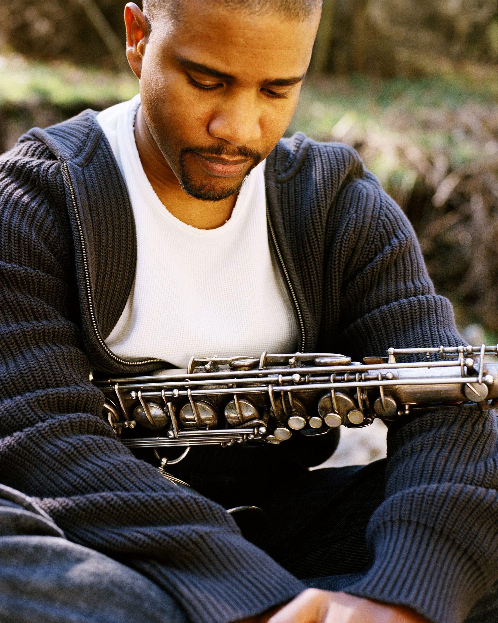 El músico está consciente de la importancia de absorver su entorno social y cultural. (Foto suministrada)