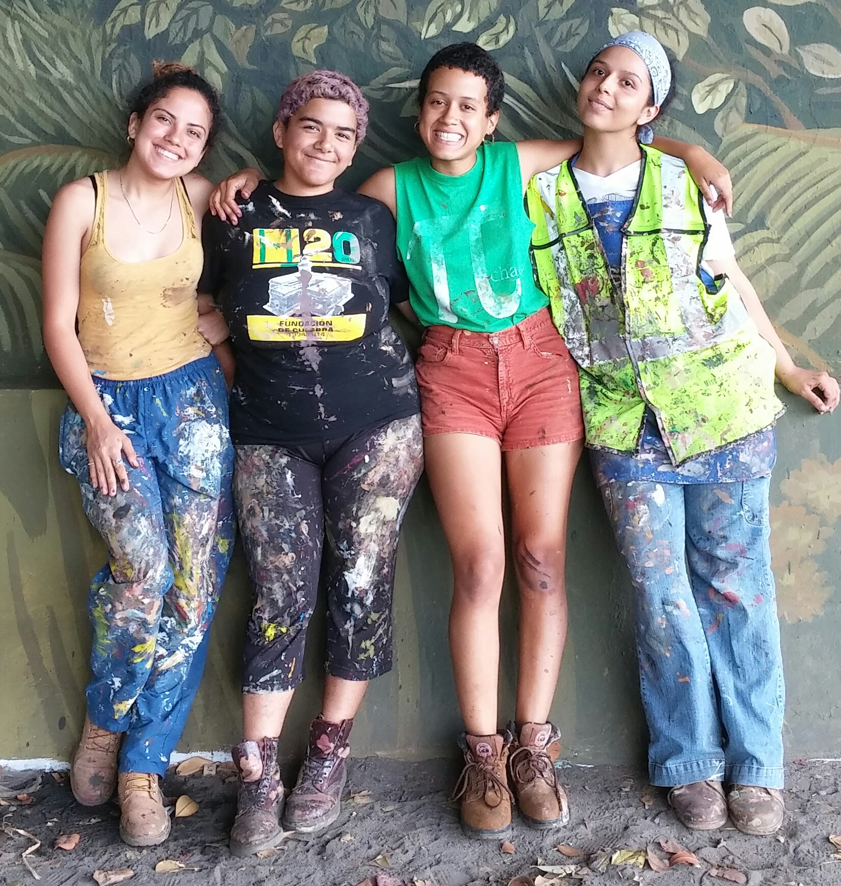 De izquierda a derecha, Raysa Raquel Rodríguez García, Joy Díaz Marty, Estefanía Rivera Cortés y Sharon González Colón. (Foto Gabriela Ortiz para Fundación Nacional para la Cultura Popular)