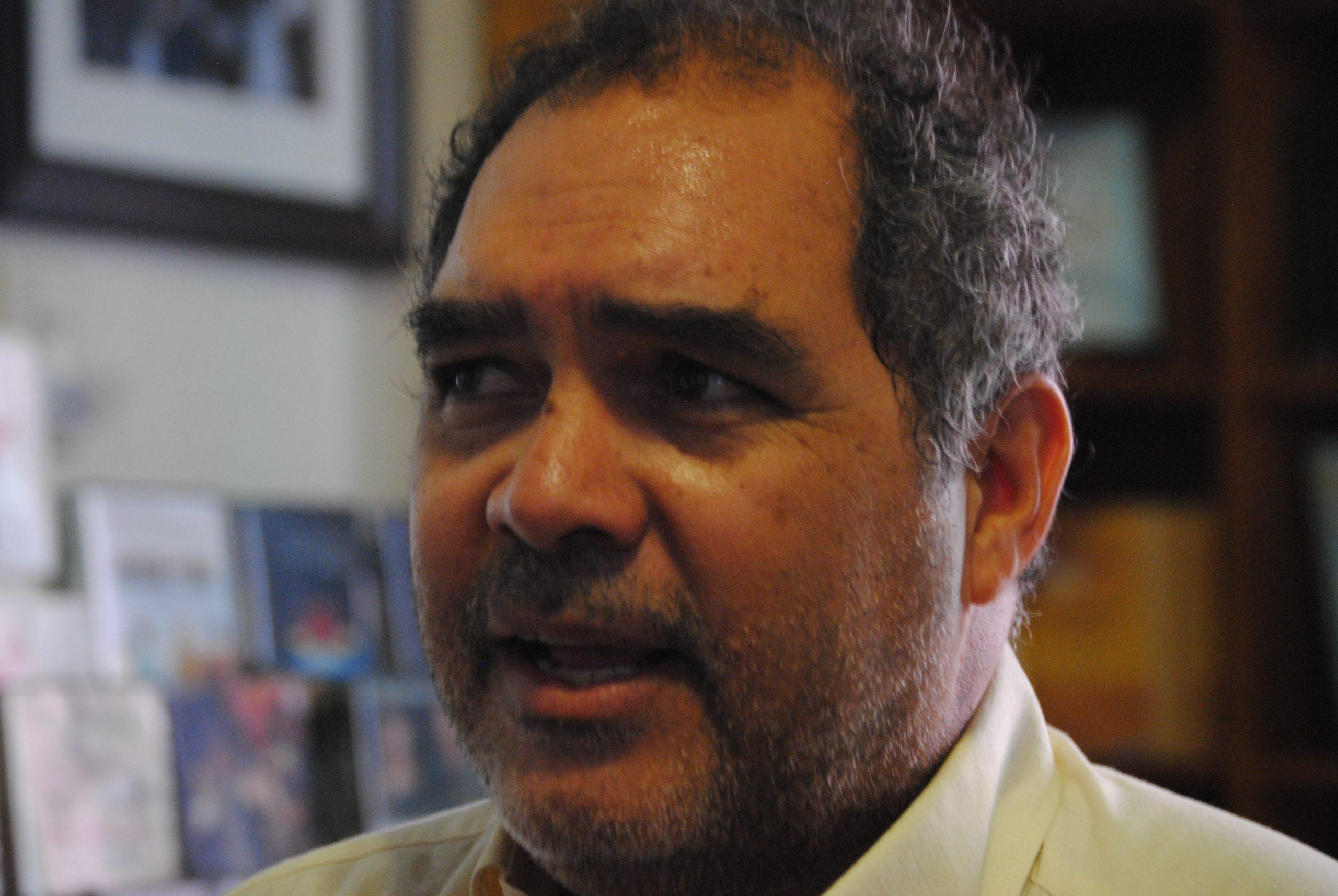 Ribas  quiere publicar una biografía completa del corredor puertorriqueño. (Foto Jaime Torres Torres para Fundación Nacional para la Cultura Popular)