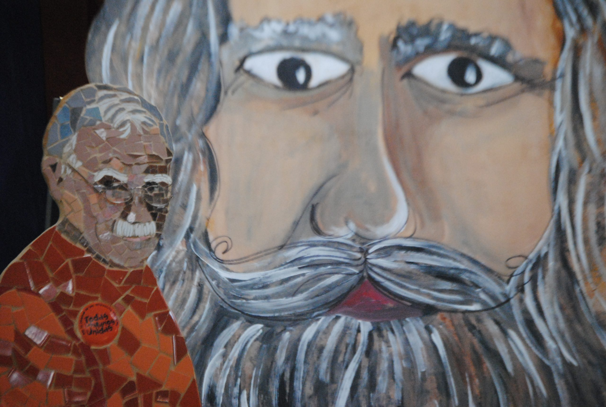 Entre las obras artesanales expuestas estuvo la figura de Oscar López Rivera hecha en mosaicos. (Foto Jaime Torres Torres para Fundación Nacional para la Cultura Popular)