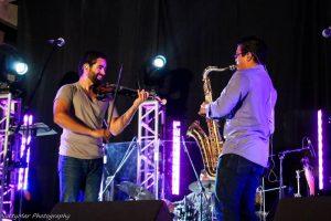 Duamed Colón y el saxofonista Saviel O. Cartagena-Acevedo en Al fresco en Caguas.(Foto Nutty Serrano)