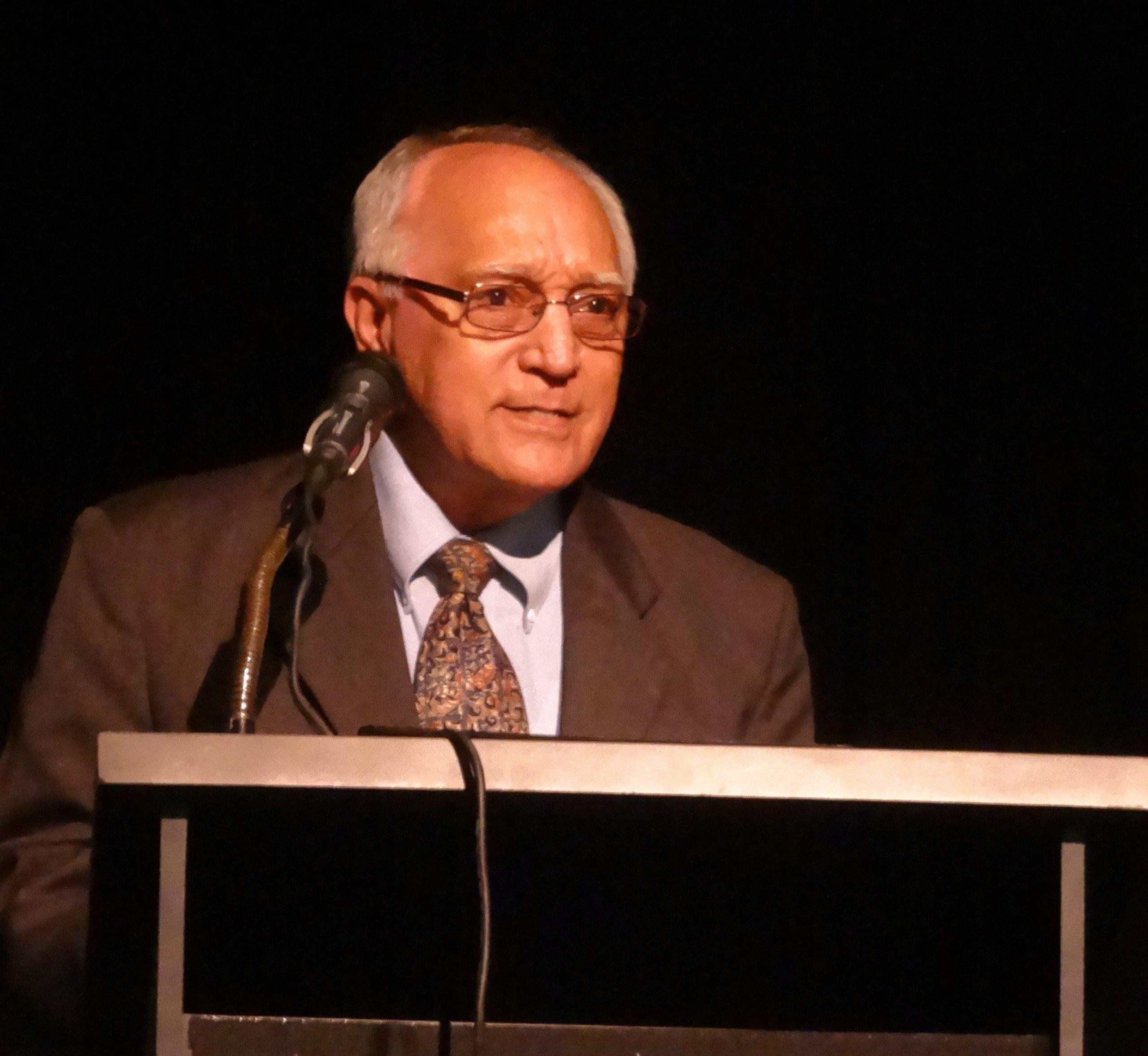 Eduardo Bobren Bisbal presentó su nuevo poemario en el Ateneo Puertorriqueño. (Foto suministrada)