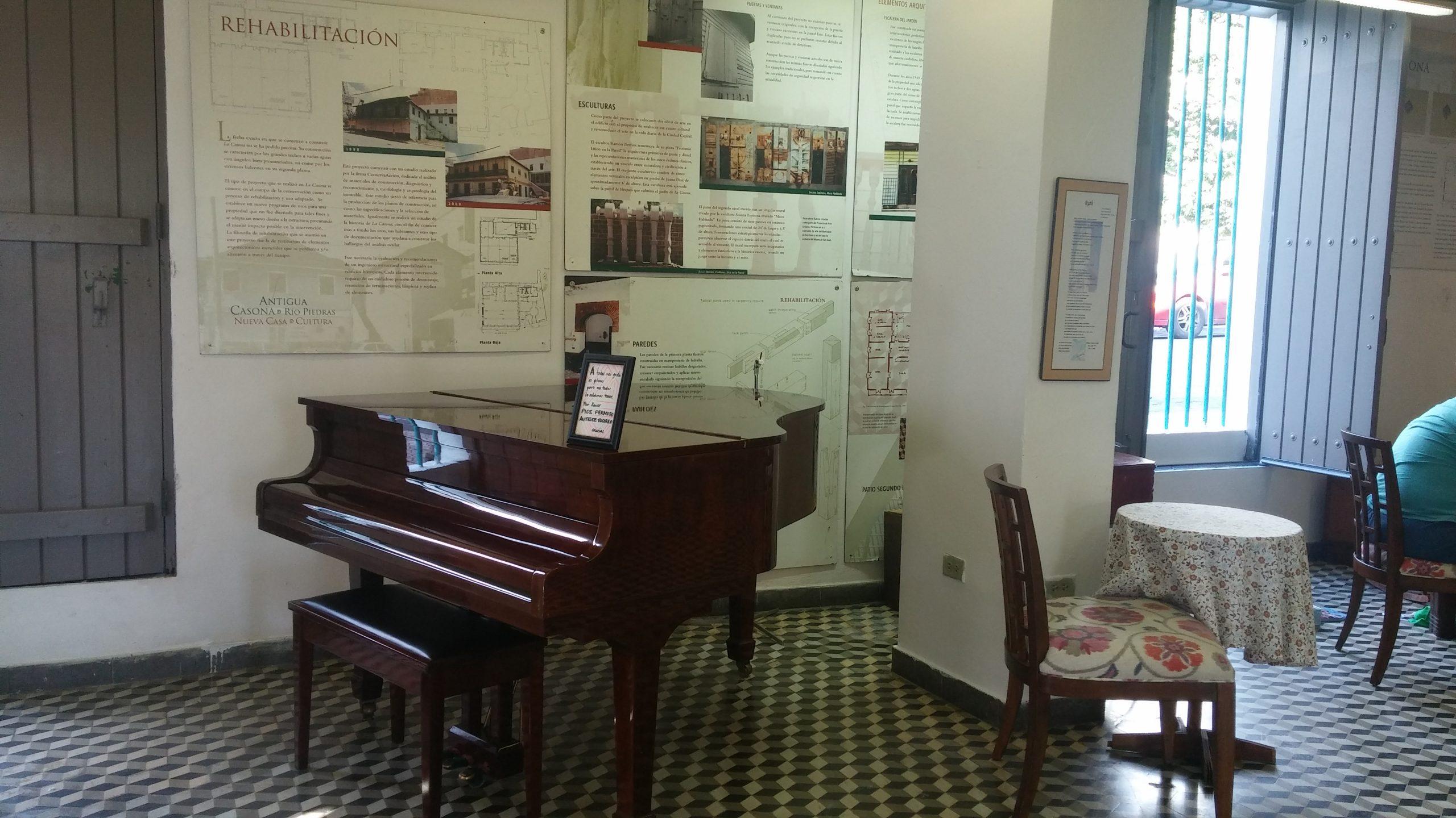 El piano es uno de los atractivos de la Casa Ruth Hernández. (Foto Gabriela Ortiz para Fundación Nacional para la Cultura Popular)