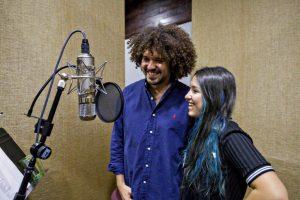 """PJ Sin Suela y Kristal Fonrodona grabaron una nueva versión del clásico """"Lamento borincano"""" de Rafael Hernández. (Foto suministrada)"""