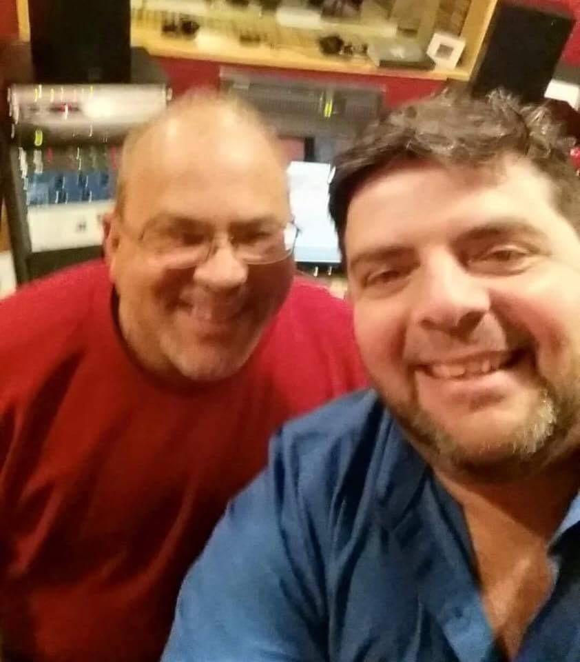 Torres con el inmortal José Lugo en los días de la grabación de la producción nominada. (Foto suministrada)