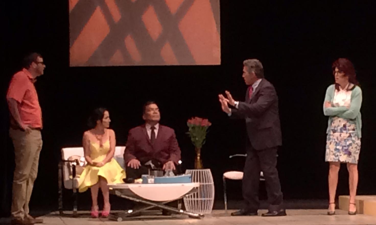 El elenco supo arrancar carcajadas del público ante la historia. (Foto Joselo Arroyo para Fundación Nacional para la Cultura Popular)