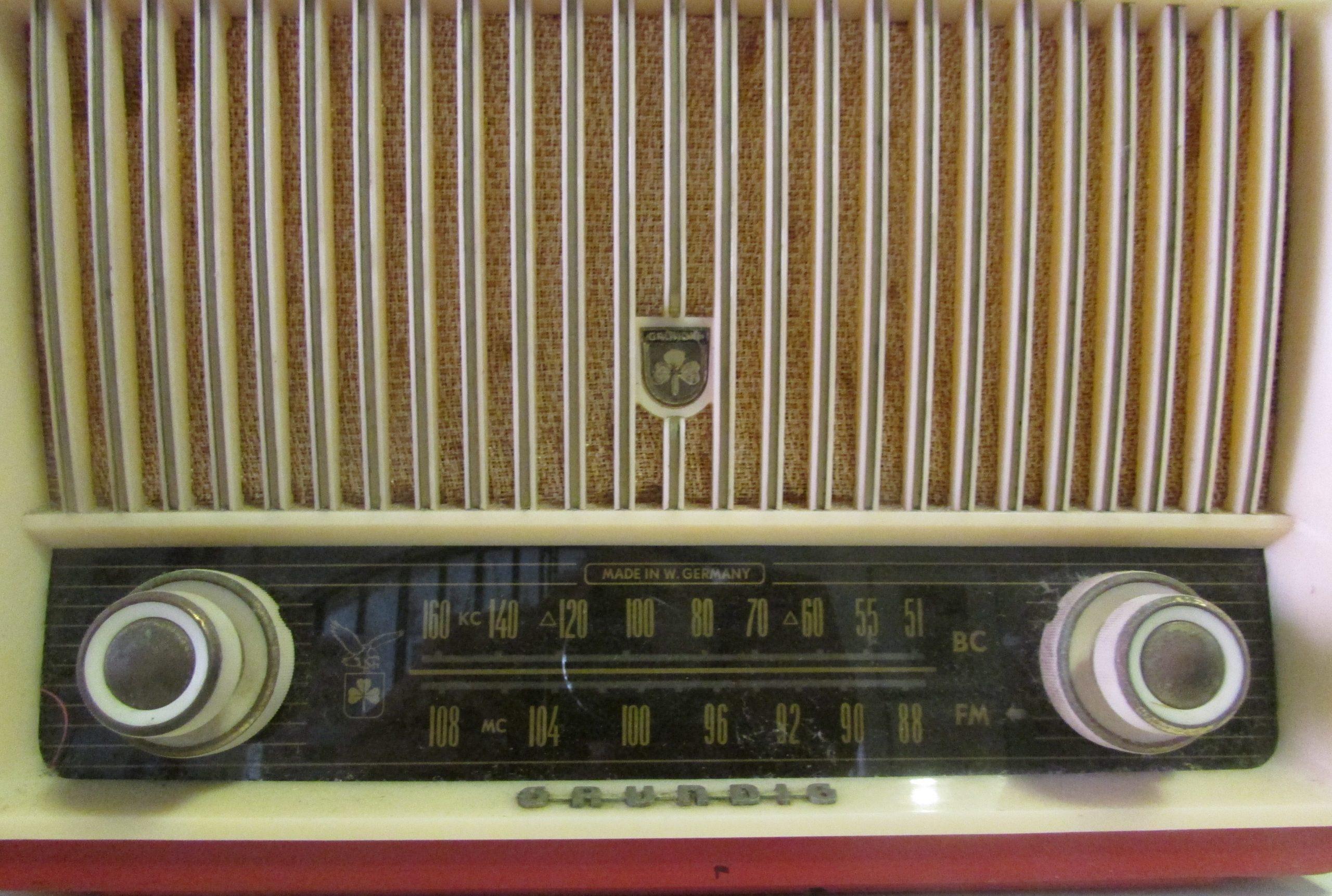 Hoy más que ayer, la radio en 2016 enfrenta fuertes retos ante los crecientes cambios tecnológicos. (archivo Fundación Nacional para la Cultura Popular)