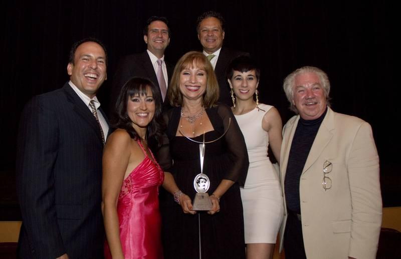 Ineabelle Col'n ganó el Premio Alejandro Tapia y Rivera por una producción de COOPAR. (Foto suministrada)