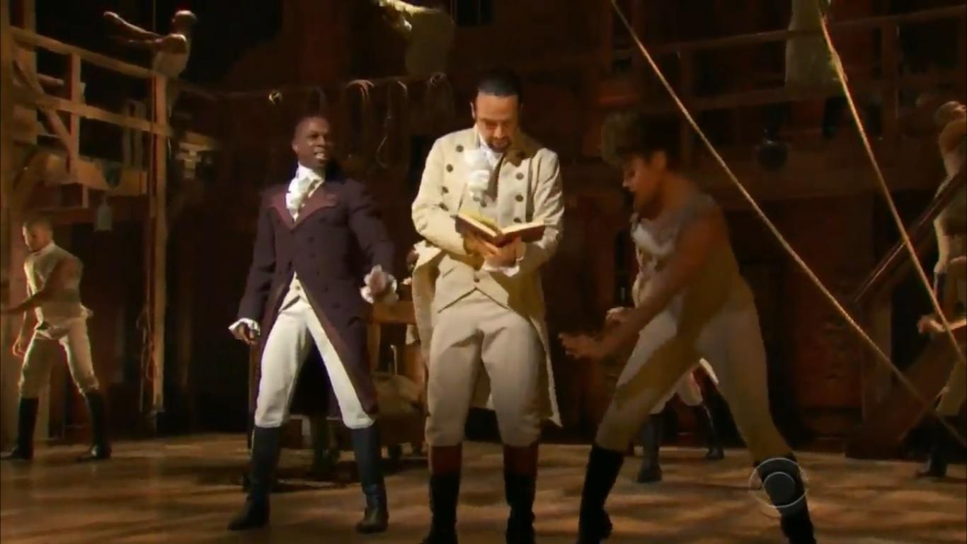 """La banda sonora de """"Hamilton"""" ha sido integrada como elemento de enseñanza en el sistema de educación pública de Nueva York. (Foto pantalla CBS)"""