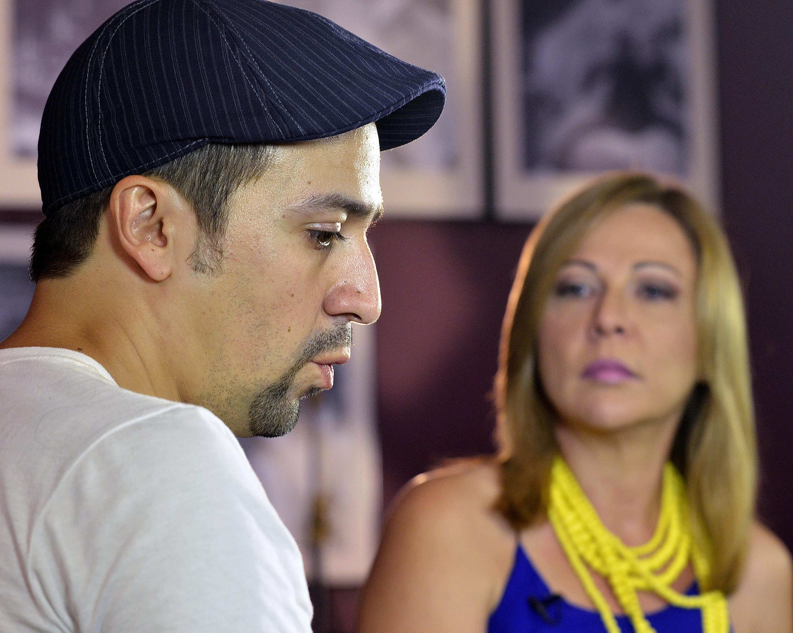 En la sede de la organización el actor fue entrevistado para Wapa Televisión por Sonia Valentín. (Foto Mauricio Pascual para Fundación Nacional para la Cultura Popular)