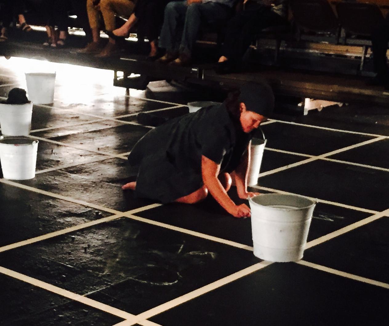"""En """"Hay motín compañeras"""", Magali Carrasquillo fue dirigida por el premiado director español Paco. (Foto Alina Marrero para Fundación Nacional para la Cultura Popular)"""