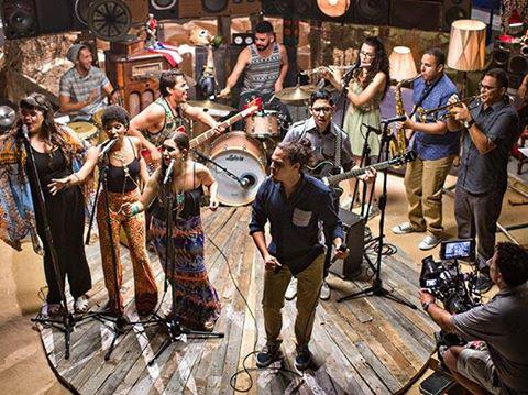 Misa 'E Gallo durante la grabación de 'Vámonos pal' monte', tema interpretado en el especial del Banco Popular 'Cuba y Puerto Rico Son...'.