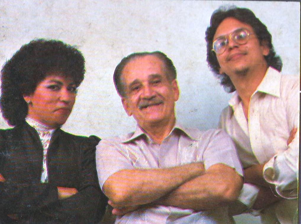 El inolvidable escritor elogió la iniciativa de Moliendo Vidrio en 1983. (archivo Fundación Nacional para la Cultura Popular)
