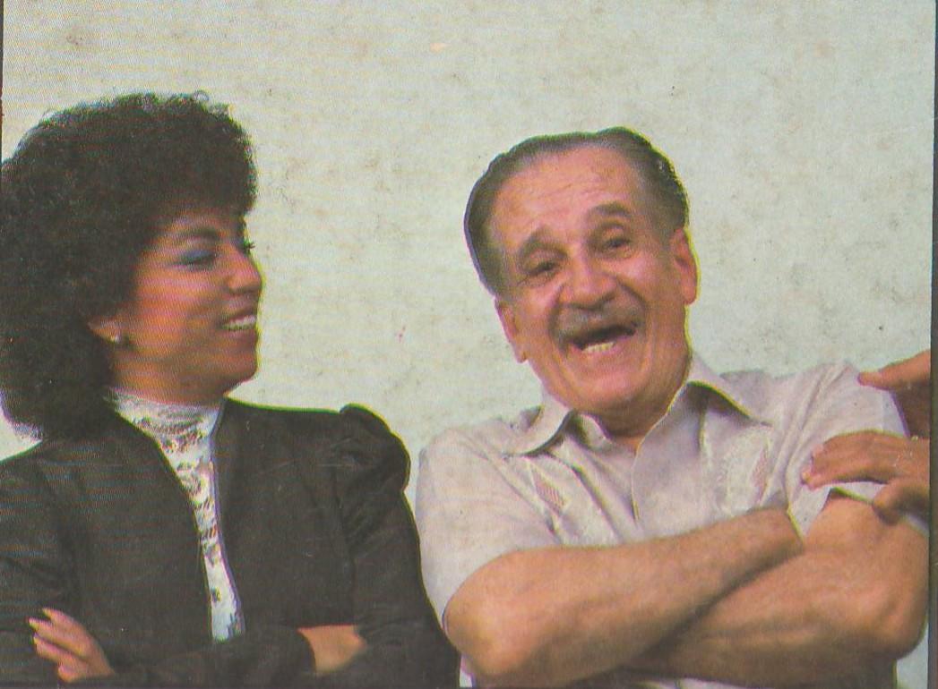 La actriz y cantante Carmen Nydia Velázquez rememora con orgullo la labor realizada por Moliendo Vidrio con la obra de don Abelardo Díaz Alfaro. (archivo Fundación Nacional para la Cultura Popular)