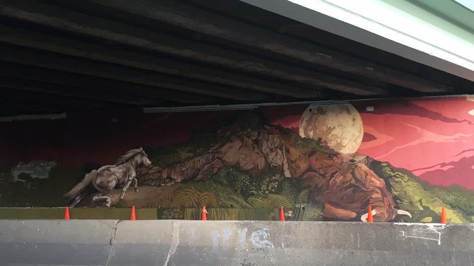 Detalles del mural bajo uno de los puentes del Municipio Autónomo de Cagauas. (Foto colectivo Moriviví)