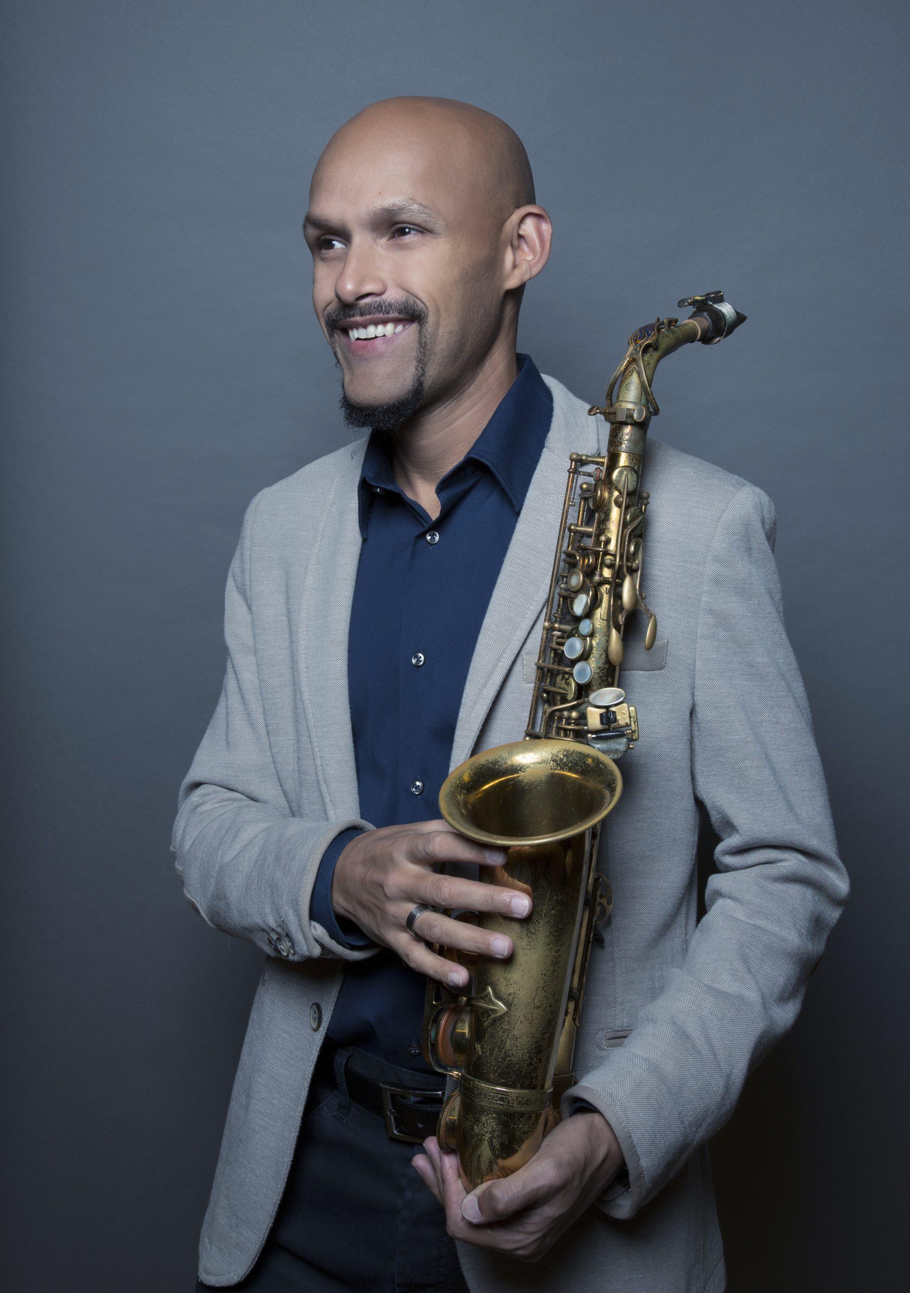El reconocido saxofonista boricua ha recorrido numerosos municipios del País con su 'aravana Musical'. (Foto suministrada)