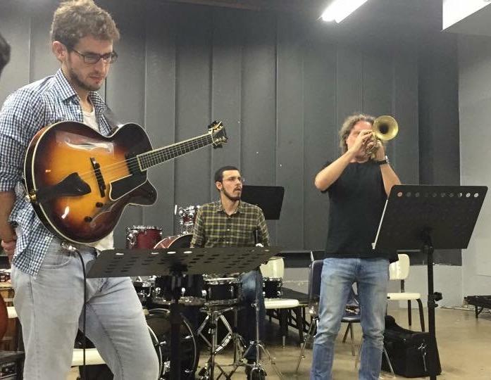 El trompetista ruso participó en el concierto de Gabriel Vicéns en la Universidad Interamericana. (Foto suministrada)