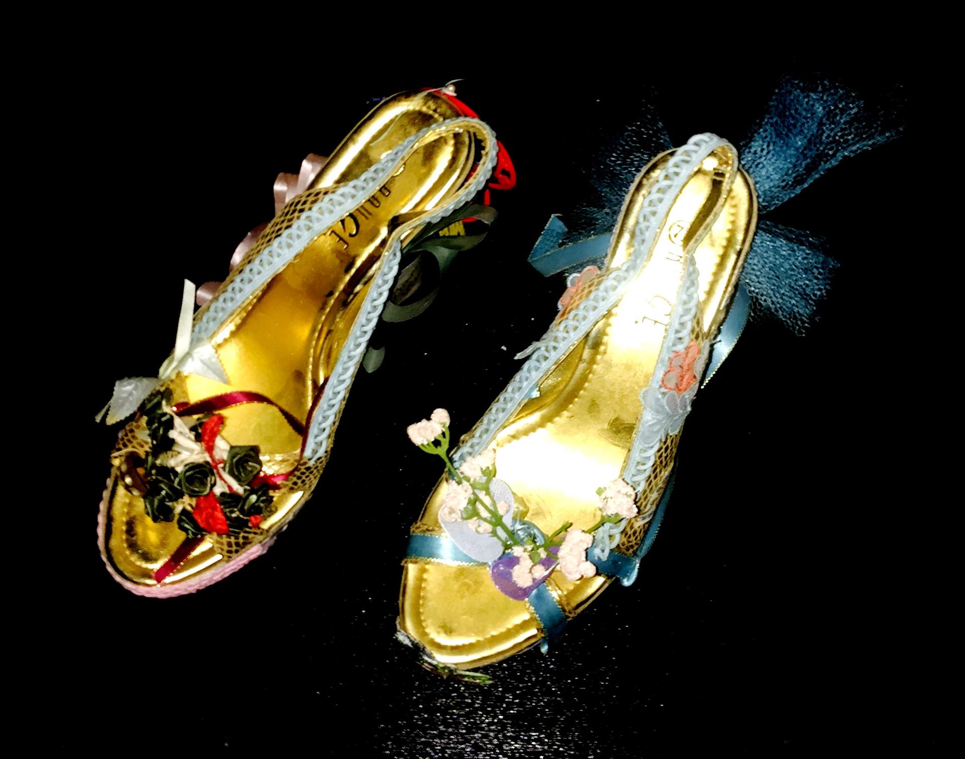 Las emblemáticas zapatillas de baile fueron uno de los elmentos que se exhibieron en el vestibulo del Teatro. (Foto Alina Marrero para Fundación Nacional para la Cultura Popular)