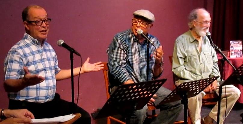 El autor junto a Sunshine Loigroño y Jacobo Morales en el lanzamiento del libro. (Foto Javier Santiago / Fundación Nacional para la Cultura Popular)