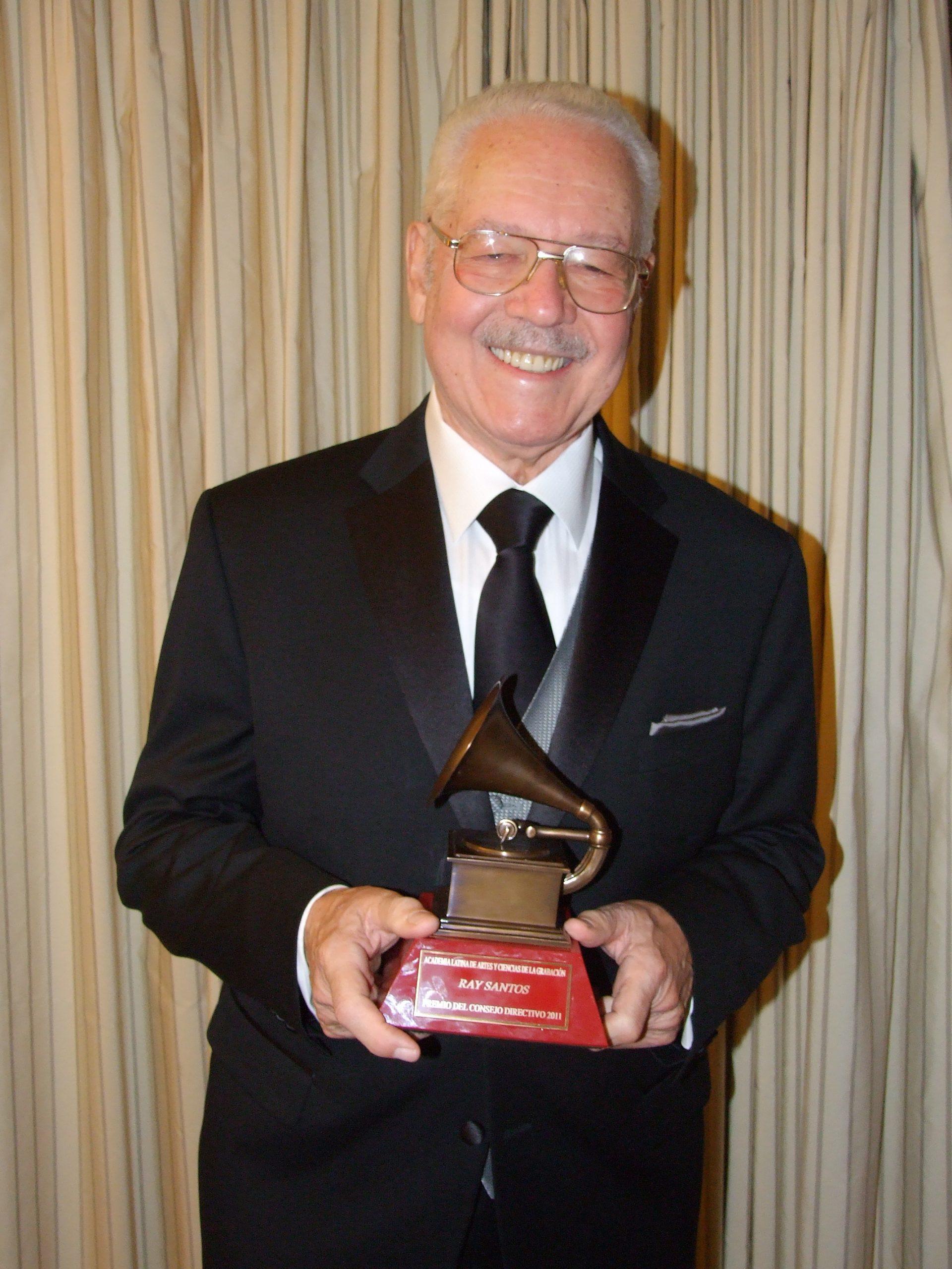 El maestro Ray Santos ha sido distinguido con el Grammy en los Estados Unidos. (Foto Rhinna Santos)