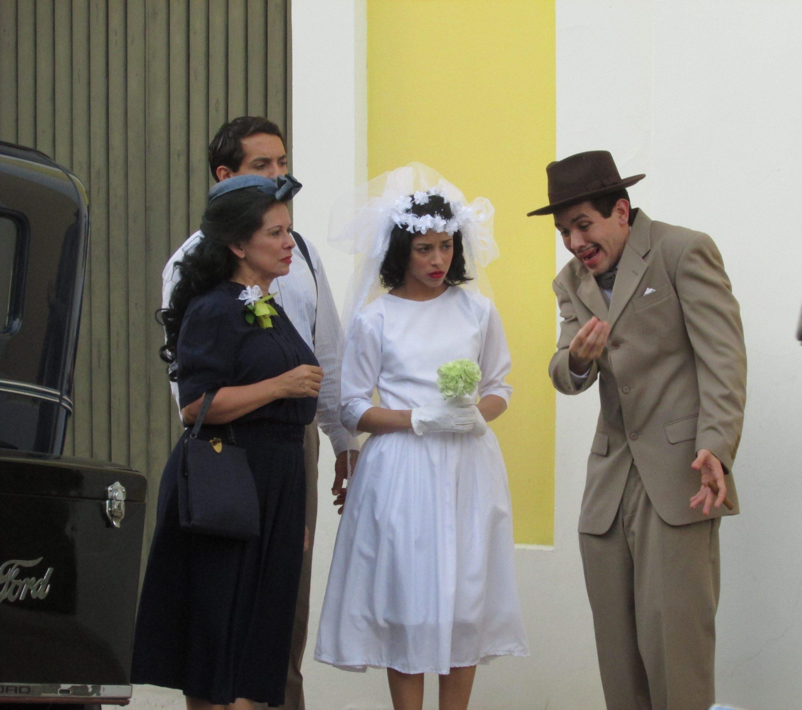 """Marisol Calero, Luis Omar O'Farril, Mariangelie Vélez y Félix Monclova en una escena de la película puertorriqueña """"Rosaura"""". (Foto Javier Santiago / Fundación Nacional para la Cultura Popular"""