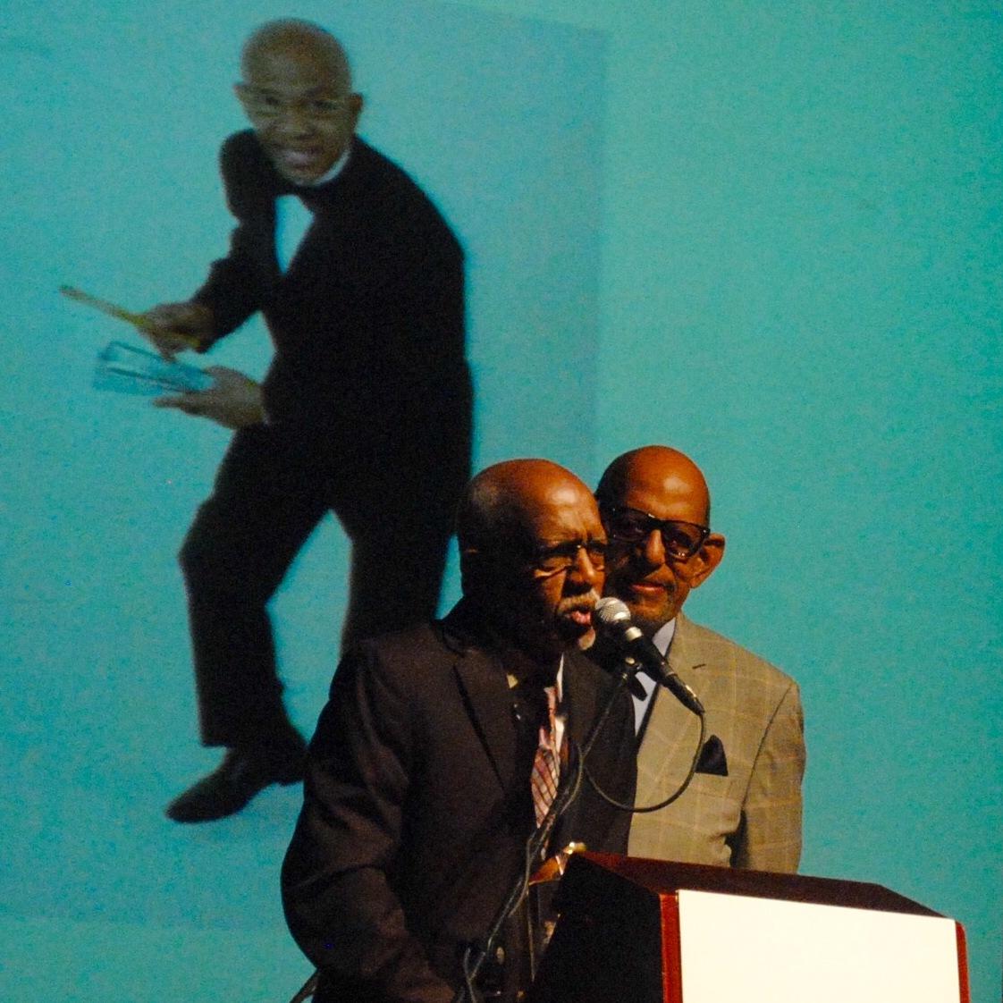 Roberto Roena fue presentado por Willie Rosario. (Foto Jaime Torres Torres para Fundación Nacional para la Cultura Popular)