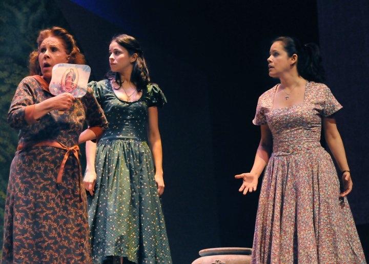 """En """"Boleros para los desencantados"""" de José Rivera, Sandra Rivera, Jazmín Caratini y Sandra Teres actuaron bajo la dirección de Dean Zayas. (Foto suministrada)"""