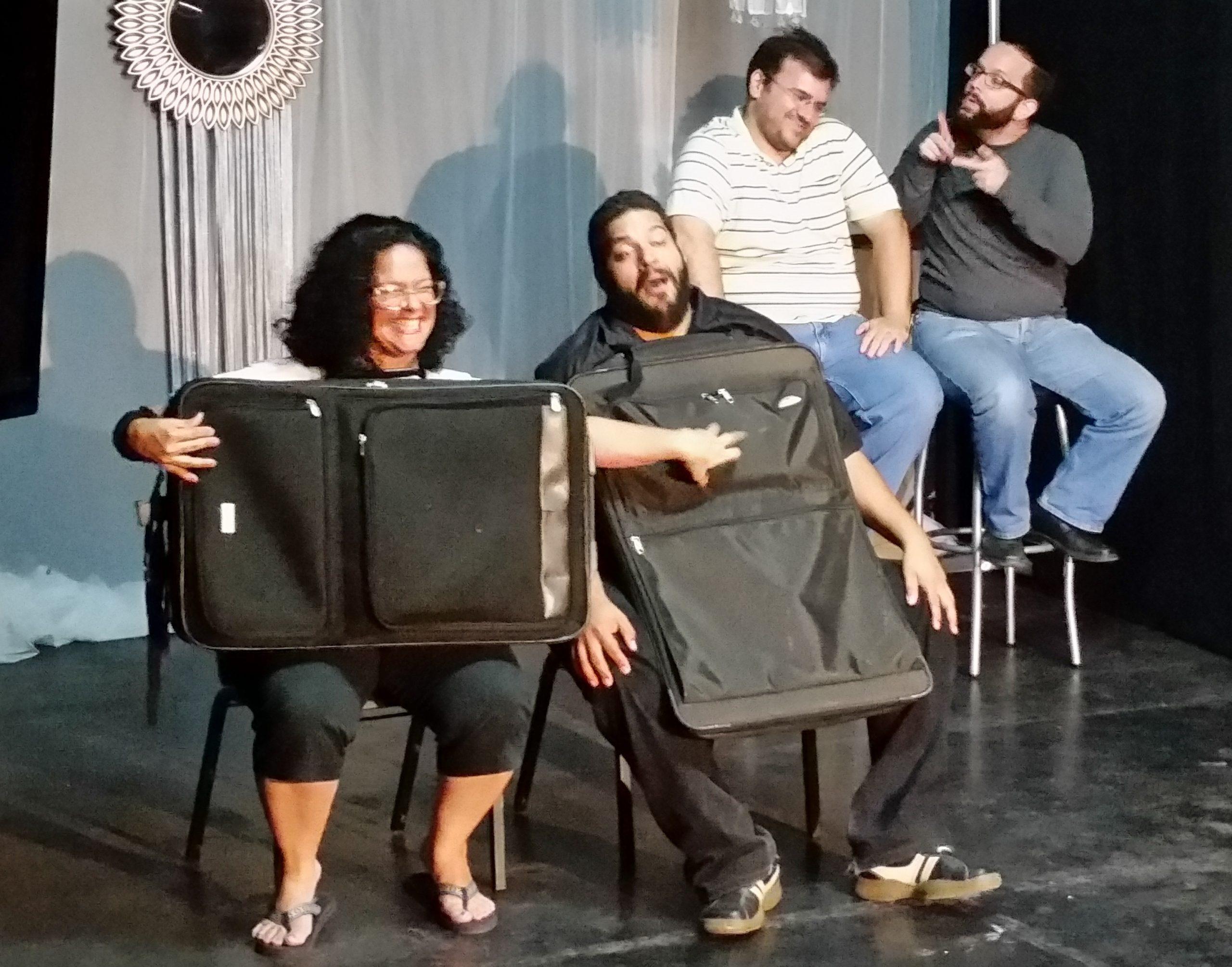 Thaimy Reyes, Reinaldo, Carlos Mera y Jorge Santiago, en el ensayo pre-general de 'El viajecito', (Foto suministrada)